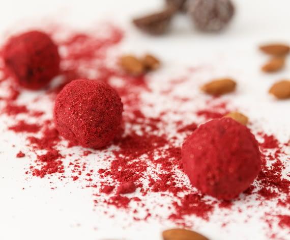 choco-raspberry-blissballs